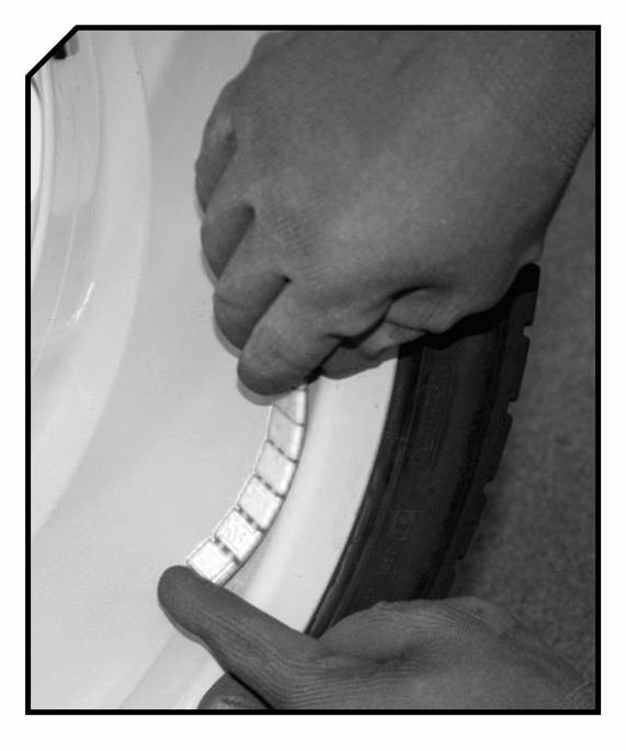 Montaż cięzarków na feldze aluminiowe